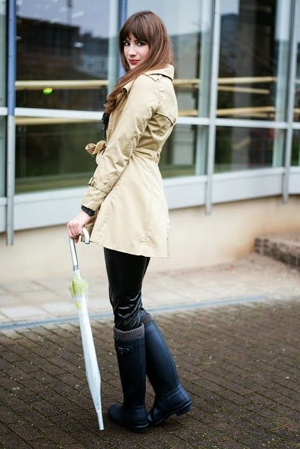 Wenge Moda: Yağmurlu Gün Kombini  NEW POST.!!  #rainyday   #lookbook   #hunter   #umbrella   #womensfashion