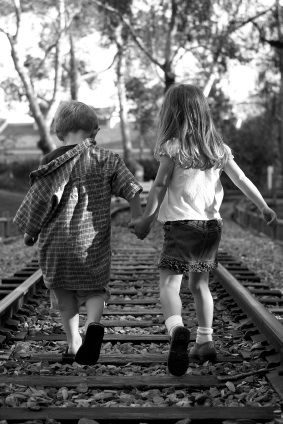 Little Boy and Girl Holding Hands | Images Of Little Boy And Girl Holding Hands…