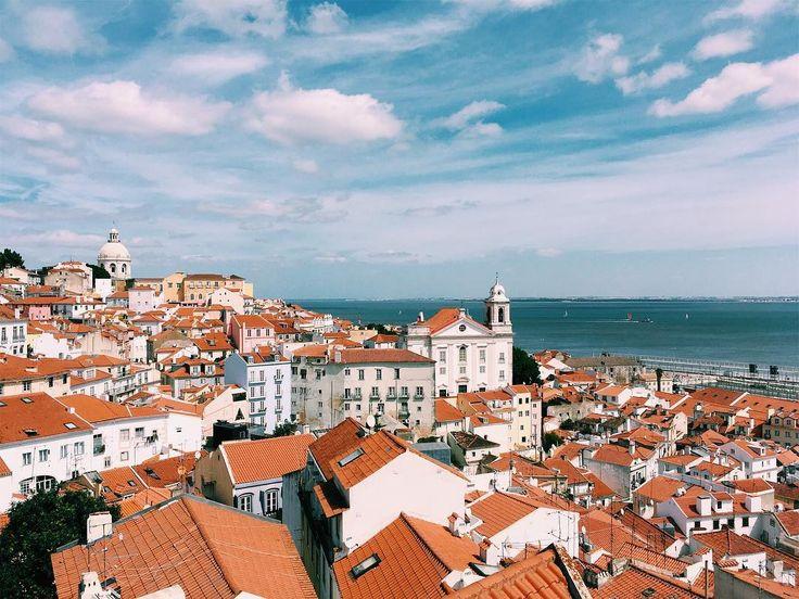 Lisboa linda Lisboa . . . . . #travel #lisboa #portugal #linda #luso #lusitana #europa #europe #travel #phototrip #landscape #travelphotography #fineart #buy #print