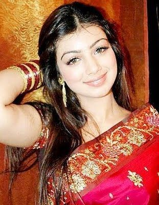 Ayesha Takia Hot Saree Photos