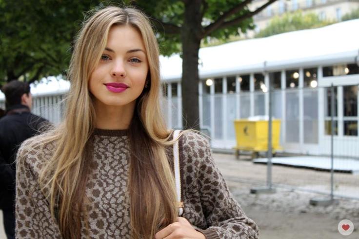 i love her lipstick
