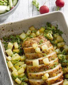 Kippengehaktbrood met aardappeltjes uit de oven