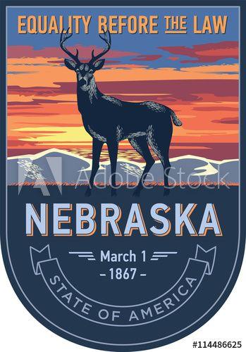 Небраска штат Америки, стилизованная эмблема, белохвостый олень на закате на синем фоне
