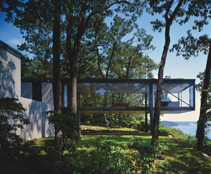 THE SUBURBAN AVANT-GARDES, Leonhardt house by Philip Johnson