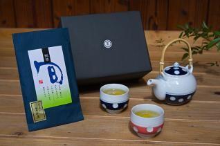 肥前吉田焼 水玉丸型土瓶急須(青)・湯呑(朱、青)+「美好園」宇治煎茶セット(童仙房)