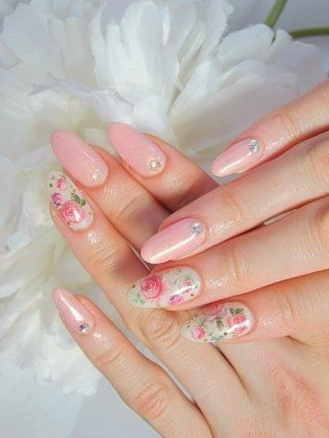 I don't like the shape of the nails but I am all about the color and pattern