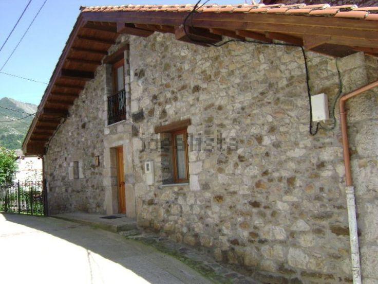 Image Facade of country home in avenida de la lastra, 32