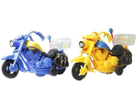 Конфитой «Мото» 5 г в ассортименте  — 99р. --------------------- Драже мармеладное с инерционной игрушкой Конфитой Мото 5 г в ассортименте. Игрушка Мото представляет собой сразу несколько вещей: инерционную игрушку и драже в багажнике мотоцикла. Когда багажник будет опустошен, мотоцикл можно не выбрасывать и играть им как с обыкновенной игрушкой. Особенности:  Инерционная игрушка + драже.   Условия хранения: хранить при комнатной температуре. При оформлении заказа на самовывоз, уточните цвет…