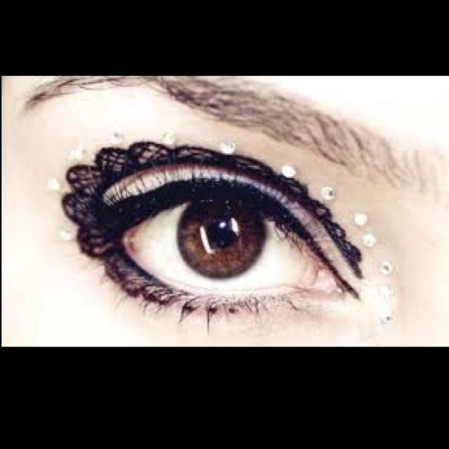 Lace eyes by Klair de Lys