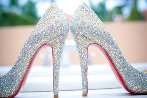 I Want These Gorgeous Silver Heels!