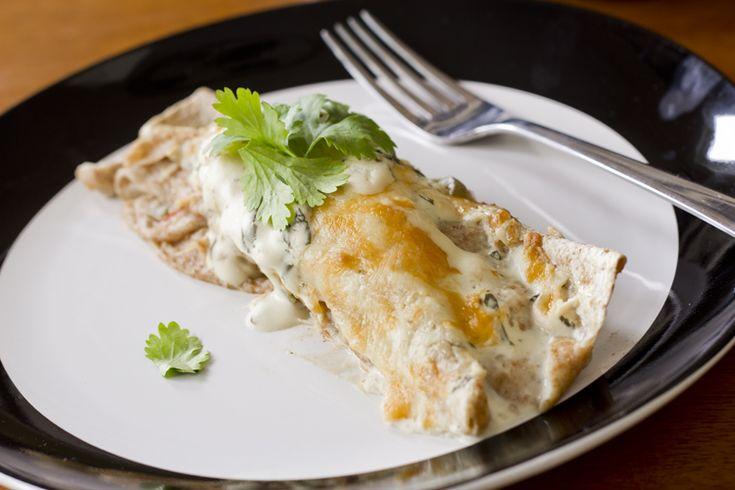 ... so easy to make!   Skinny enchiladas, Chicken soups and Skinny mom