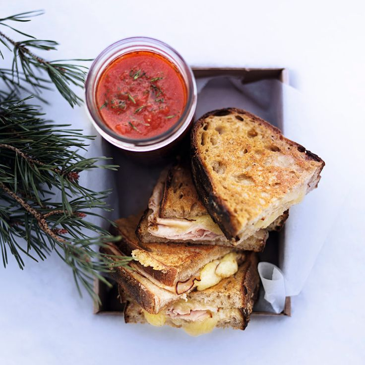 Grilled bread with ham and gruyère