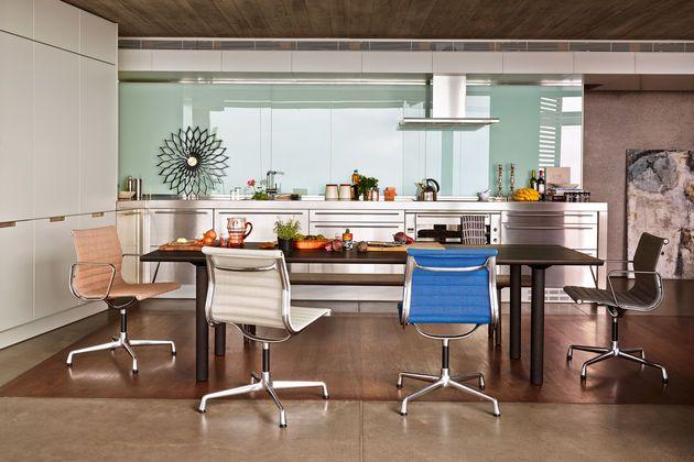 Aluminium-Chair-EA-101---104_1_web Vitra - Eames