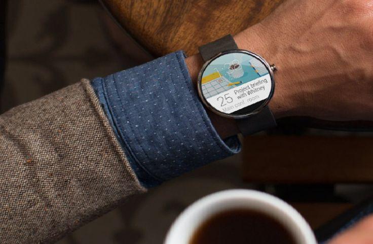 Relógio inteligente Moto 360 chega até setembro - http://showmetech.band.uol.com.br/relogio-inteligente-moto-360-faz-sucesso-apos-apresentacao/