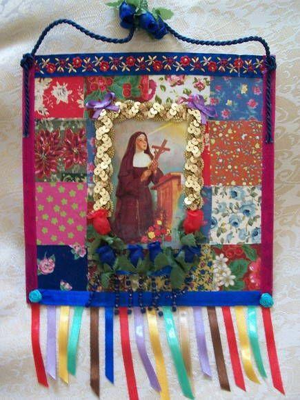Estandarte de papelão Paraná,forrado com tecido de algodão,flores de tecido,fitas de cetim,detalhes em dourado. R$ 35,00