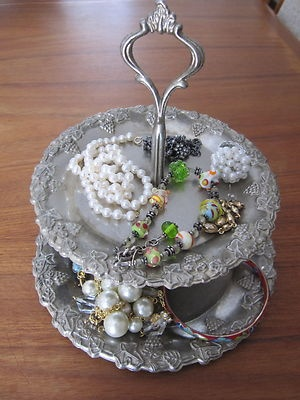 Repurpose old silver tray as a {Shabby Chic} jewelry holder.