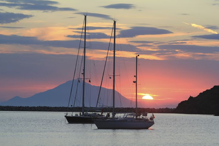 Sailing boats Mirina harbour