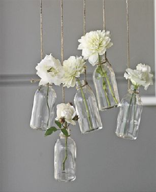 This is a cute decoration for the reception or the ceremony space - and it looks like something that would be easy to make.