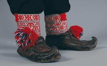 Utsjoki region Sámi 'Sisna' shoes -UTSJOENSAAMELAISEN kengät