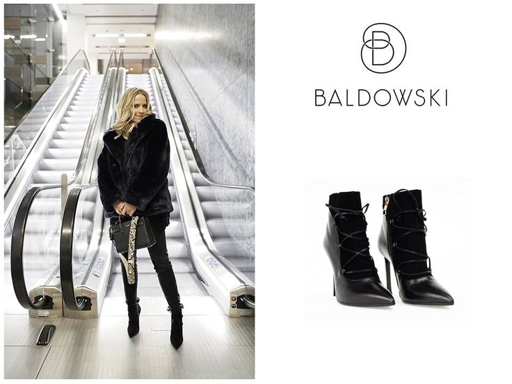Jessica Mercedes wearing Baldowski #blogger #jemerced #shoes #ootdinspiration #ootd #black #blacklook #allblackeverything #inspiration