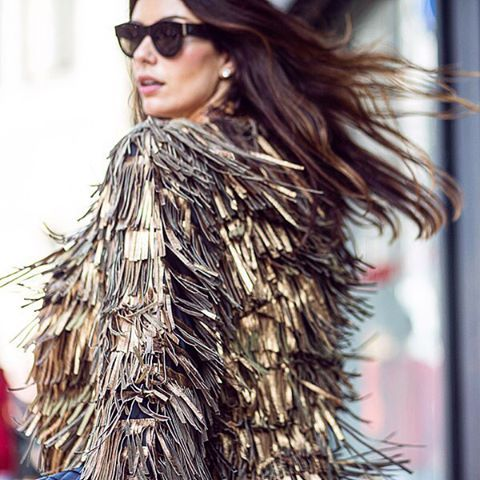 Turning heads at #MFW. #Fashion week is all about the fringe. #streetstyle by theurbanspotter (at Milano Fashion Week)