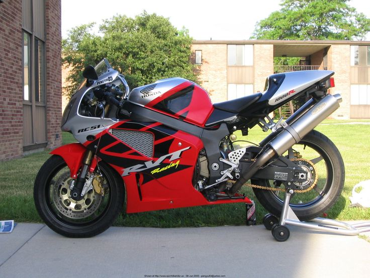 2003 Honda RC51 with Sato Low Mount Exhaust,Steel braided brake lines. - Chris Siegwald