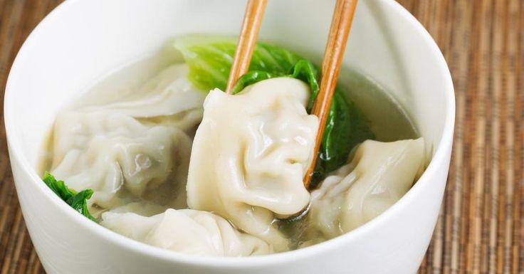 Vous tomberez rapidement sous le charme de cette soupe Won-ton maison