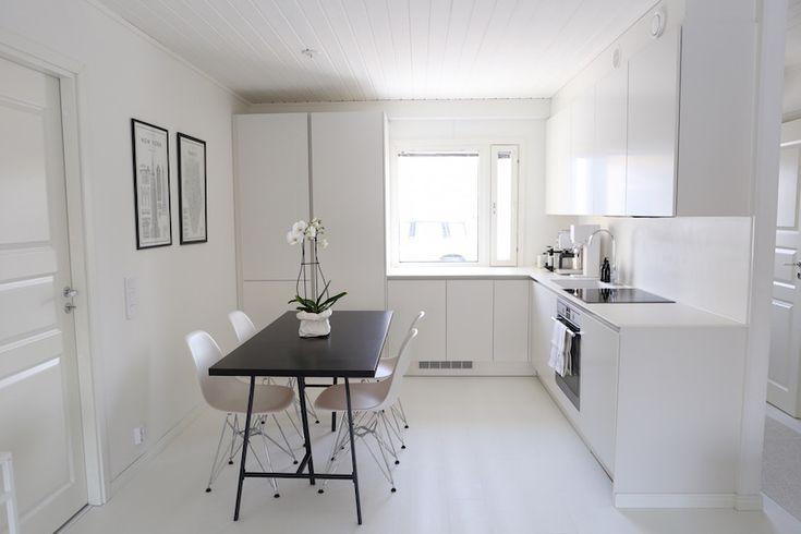 Homevialaura   modern white kitchen after renovation   HTH   VH7