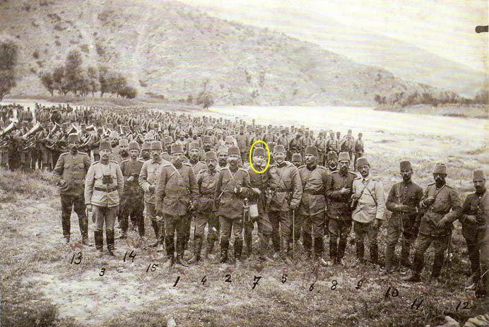Nisan 1909 da(31 mart ayaklanması münasebetiyle) Selanikten İstanbul'a gelen harekaat ordusu Tekirdağ yakınlarında verilen bir molada