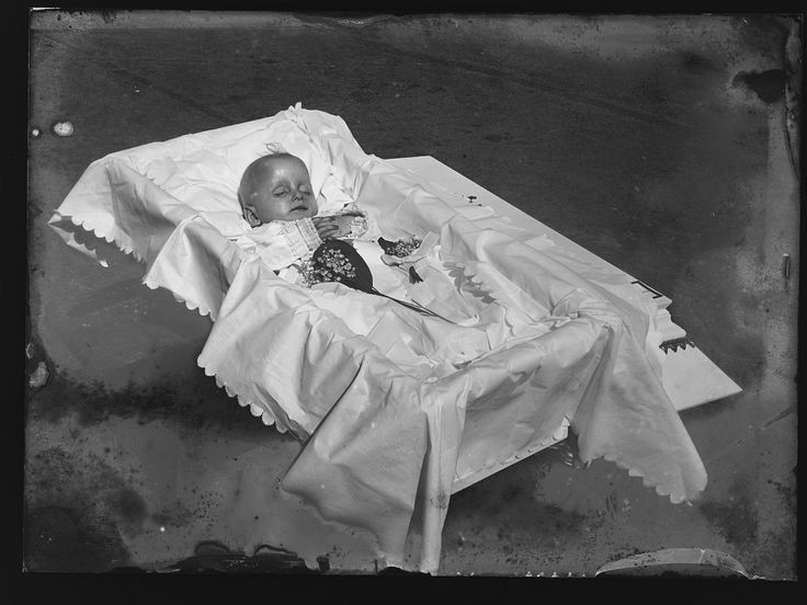 2007 Best Images About Very Unusual---post Mortem Photos