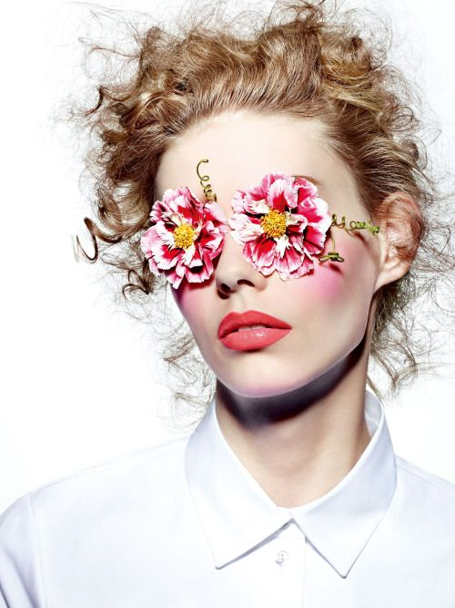 stormtrooperfashion: Ondria Hardin in The Scent Of Flowers...