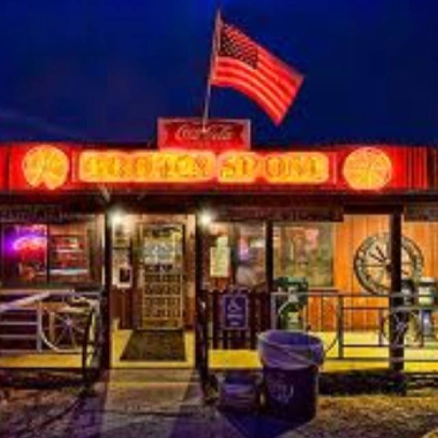 Broken Spoke, Austin TX Where to country dance and here good live music in Austin.
