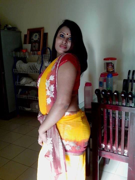 desi saree aunty nude belly open chubby