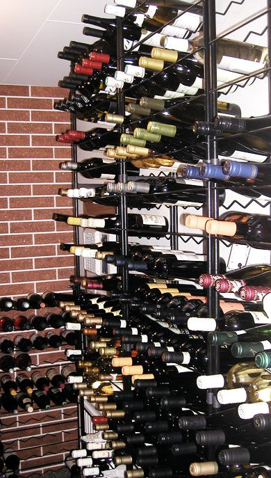 Vinförvaring  http://www.smarthem.se/4656/p/vinforvaring/vinstall-30-flaskor-1-pack/