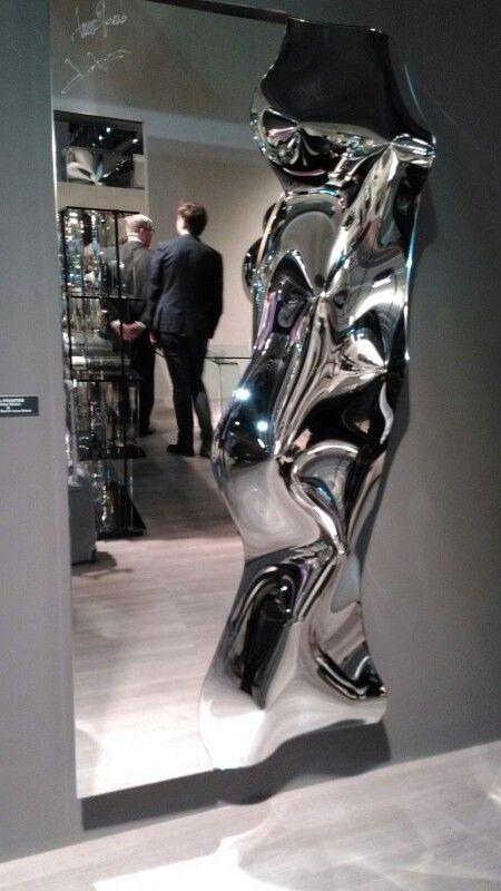 Specchio FIAM Italia presentato al salone del mobile