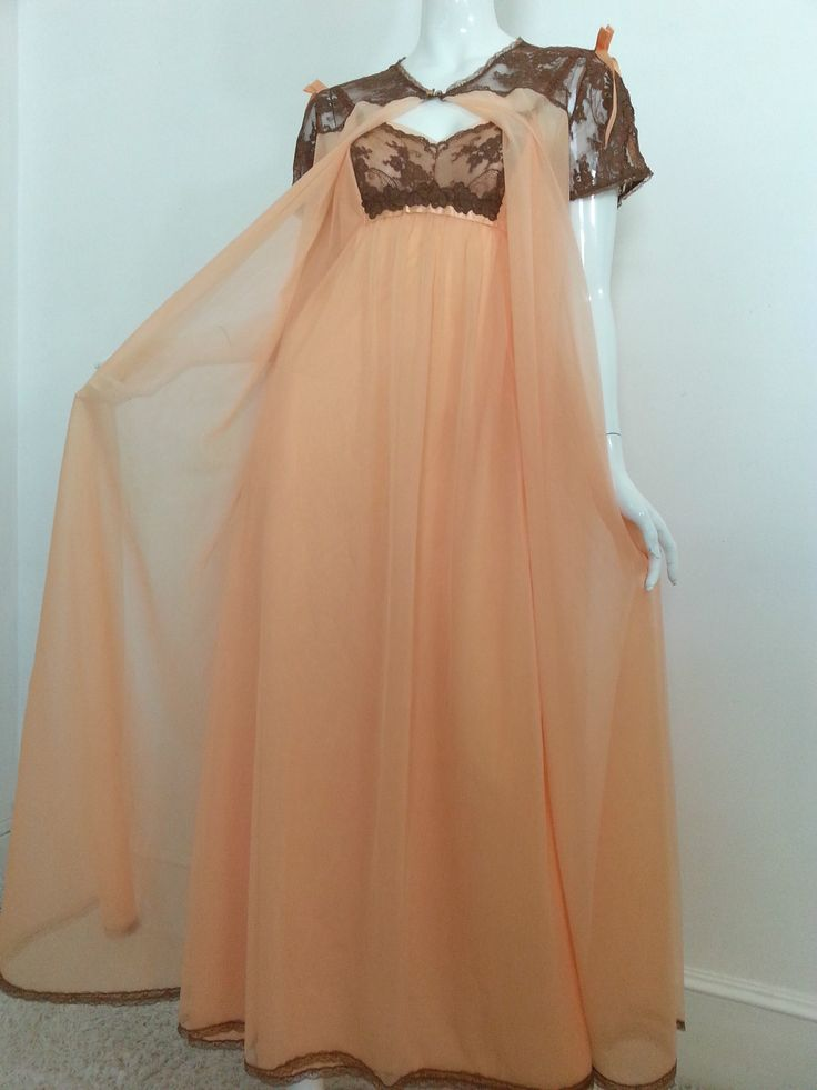 Vintage Vanity Fair Nylon Peach Brown Lace Peignoir Robe Nightgown Set 36. FOR SALE !! contact me at sjcintn@gmail.com  BEST PRICES , ANYWHERE !!! #53