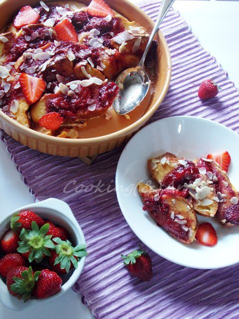 Τσουρέκι στο φούρνο με φράουλες / French toast challah with strawberries