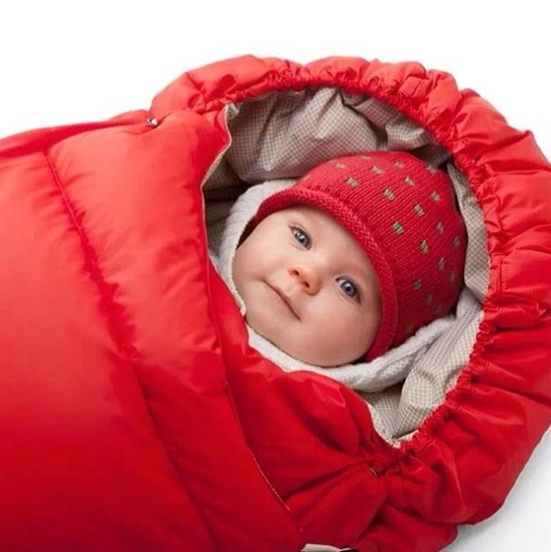 Now on Sale! Stokke Baby Down Sleeping Bag –Plush fleece lining keeps baby happily bundled and warm all holiday season in the Stokke stroller foot muff. The perfect gift for the Stokke Xplory/Crusi™ user in your life.