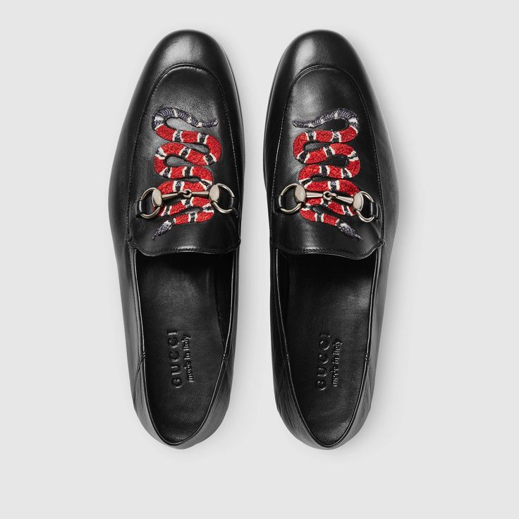 Leather loafer with snake - Gucci Men