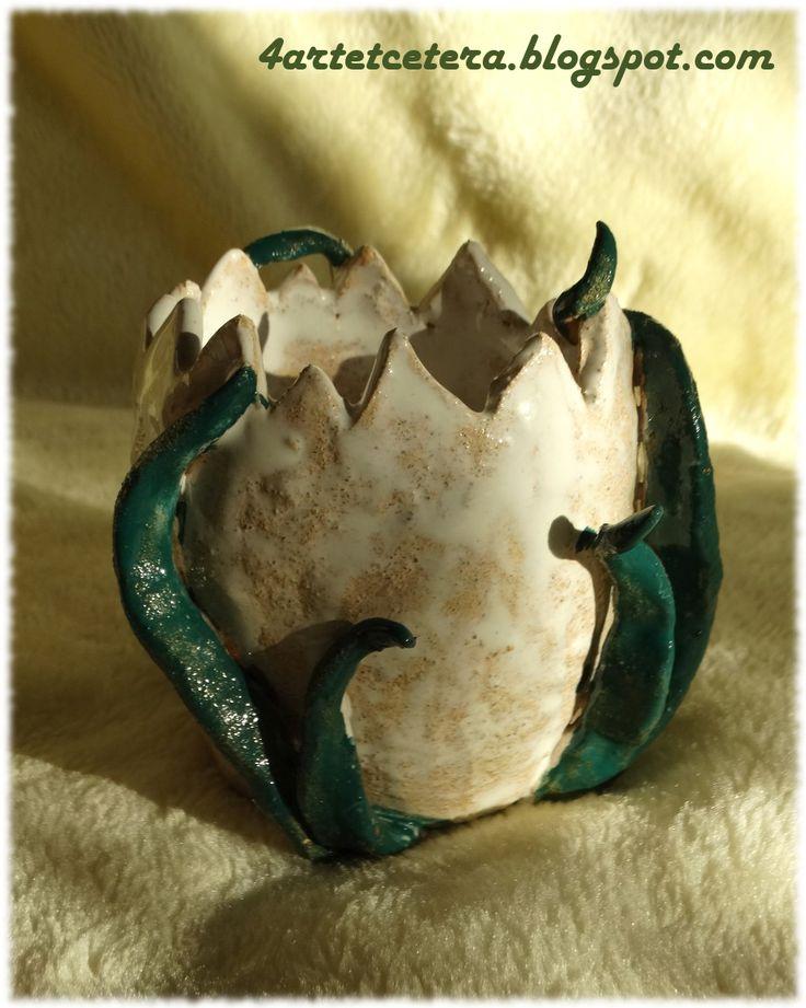 Art et Cetera: Ceramiczne jajo w trawie