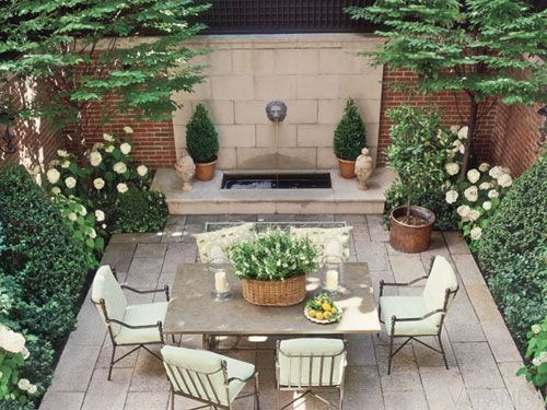 25 best ideas about small courtyard gardens on pinterest for Paved courtyard garden ideas