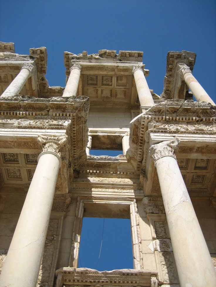 i like these corinthian design columns because  they are on two levels which means that there are two floors.