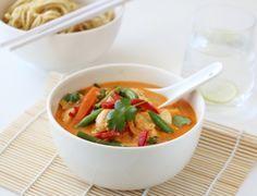 Thaisuppe med kylling og red curry  *Denne er knallgod!* (Ha i ekstra curry, ingefær og hvitløk..:D )  - fra trinesmatblogg.no suppe