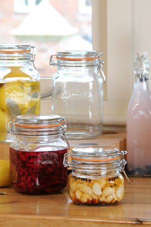 Help the newlyweds get organized as they combine households! Kilner jars are SO good for home and pantry organization! #kitchenorganizers #homestorage #canning