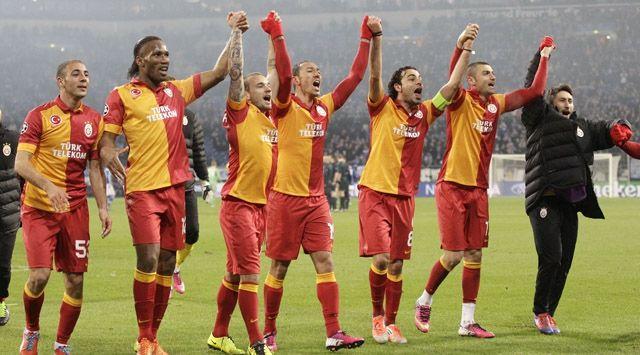 Spor Toto Süper Lig'de 2012-2013 sezonunu şampiyon olarak tamamlamayı garantileyen Galatasaray, Trabzonspor ile 18 Mayıs Cumartesi günü yapacağı son hafta maçında kupasına kavuşacak.