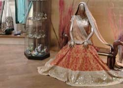 Every bride wishes if she could wear   an outfit designed by a well-known designer on her D-Day. But not all can do that. Worry not, we caught up with India's renowned fashion designer Sabyasachi Mukherjee and asked him how he would style a bridal lehnga....