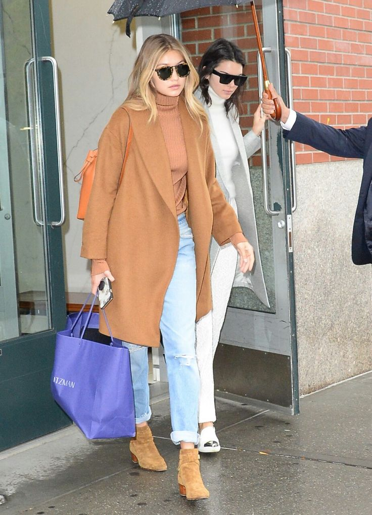 November 11: Gigi Hadid and Kendall Jenner spotted leaving Kanye West's appartment in New York City.