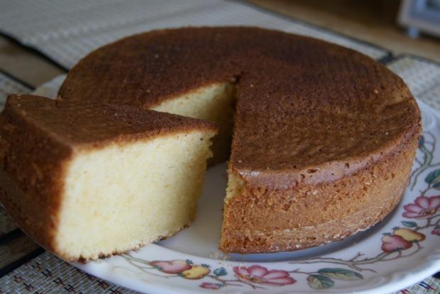 Bizcocho ( tarta ) de nata Me encantan las tartas que llevan nata, le da un sabor muy rico!