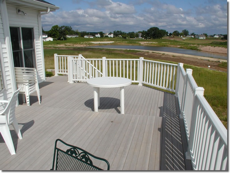 Best Gray Deck With White Railings Pool Deck Decor 400 x 300