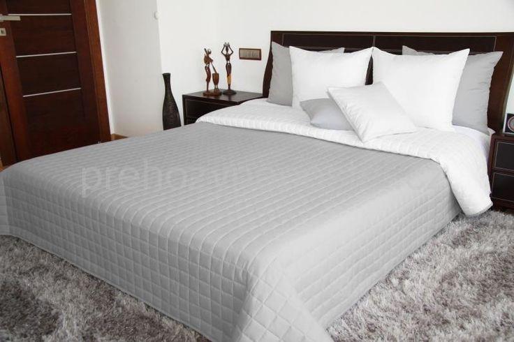 Šedé oboustranné plédy na postel